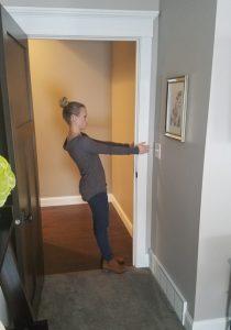 doorway-bicep-out