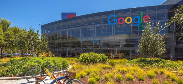 Picture of the front of Googleplex with Bokes