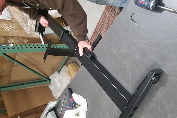 vertdesk-v3-pull-apart