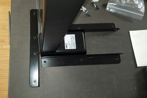 Upper supports and motor box assembly