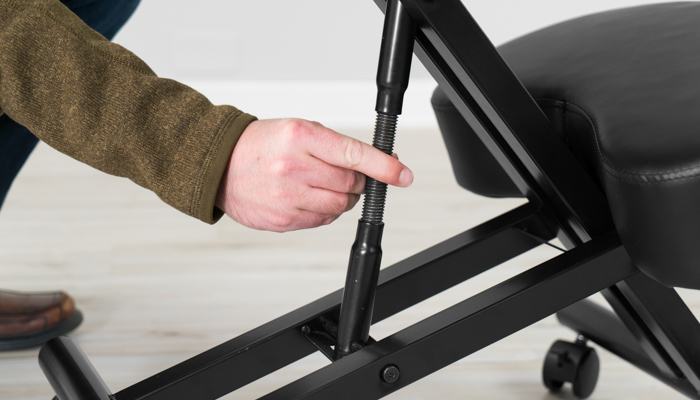 Sleekform seat height hand adjustment