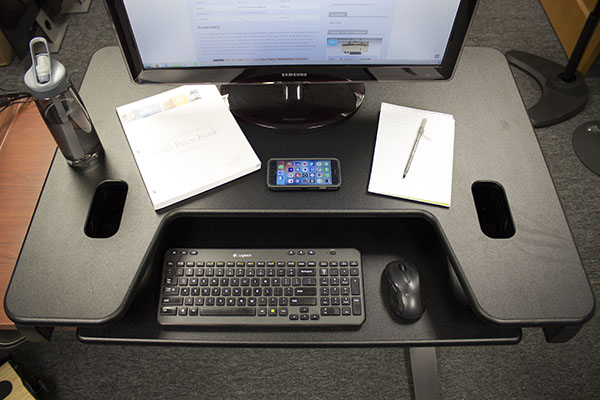 Task space on Varidesk EXEC 40