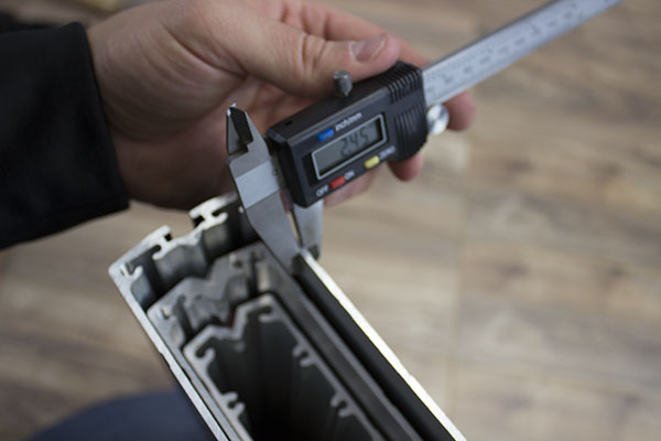 Measuring the NewHeights XT column thickness with caliper