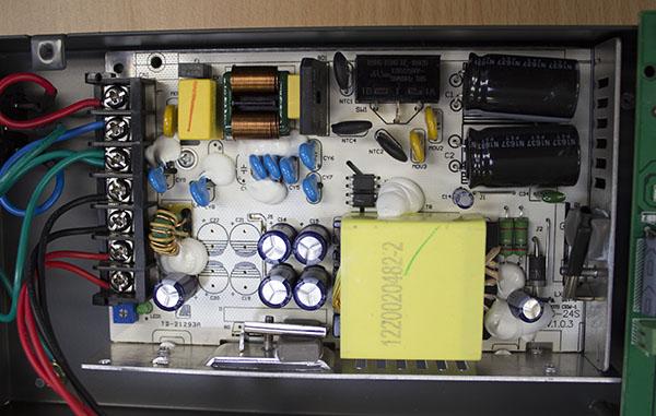 ViviStand Quattro Power Source