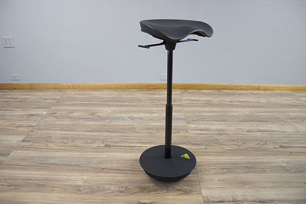 focal-pivot-leaning-chair-review-cylinder