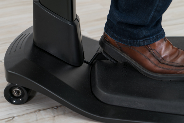 Foot paddle for height adjustment function