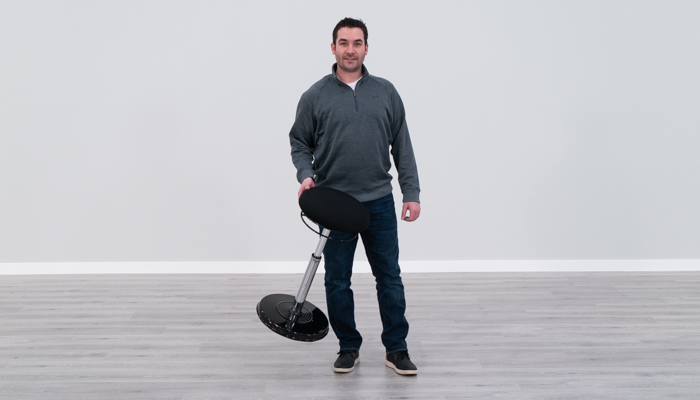 Carrying the Kore stool