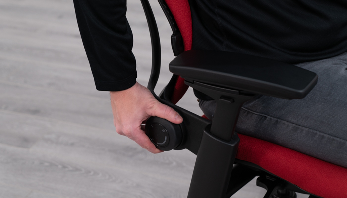 Adjusting lower tension of backrest