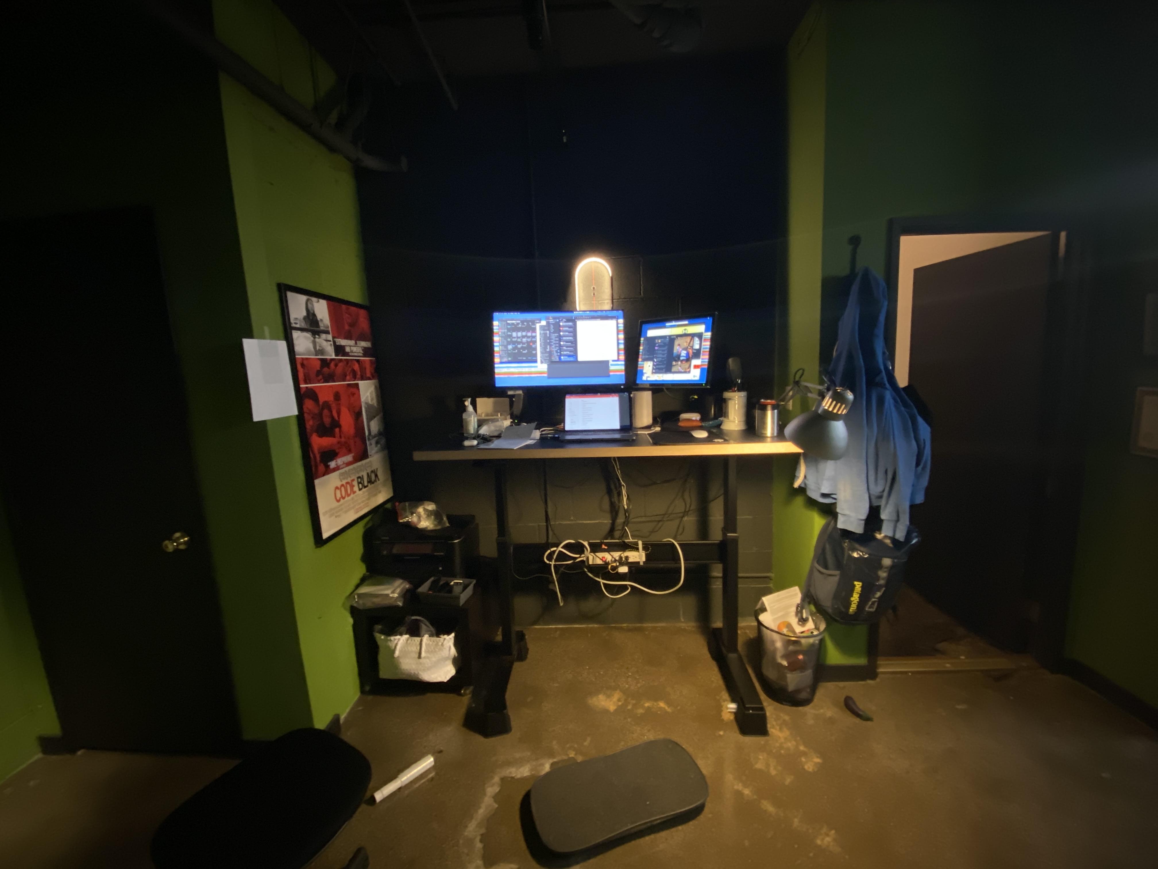 "Custom DIY Top with 22.5"" x 45.125"" Black VertDesk Standing Desk Frame"