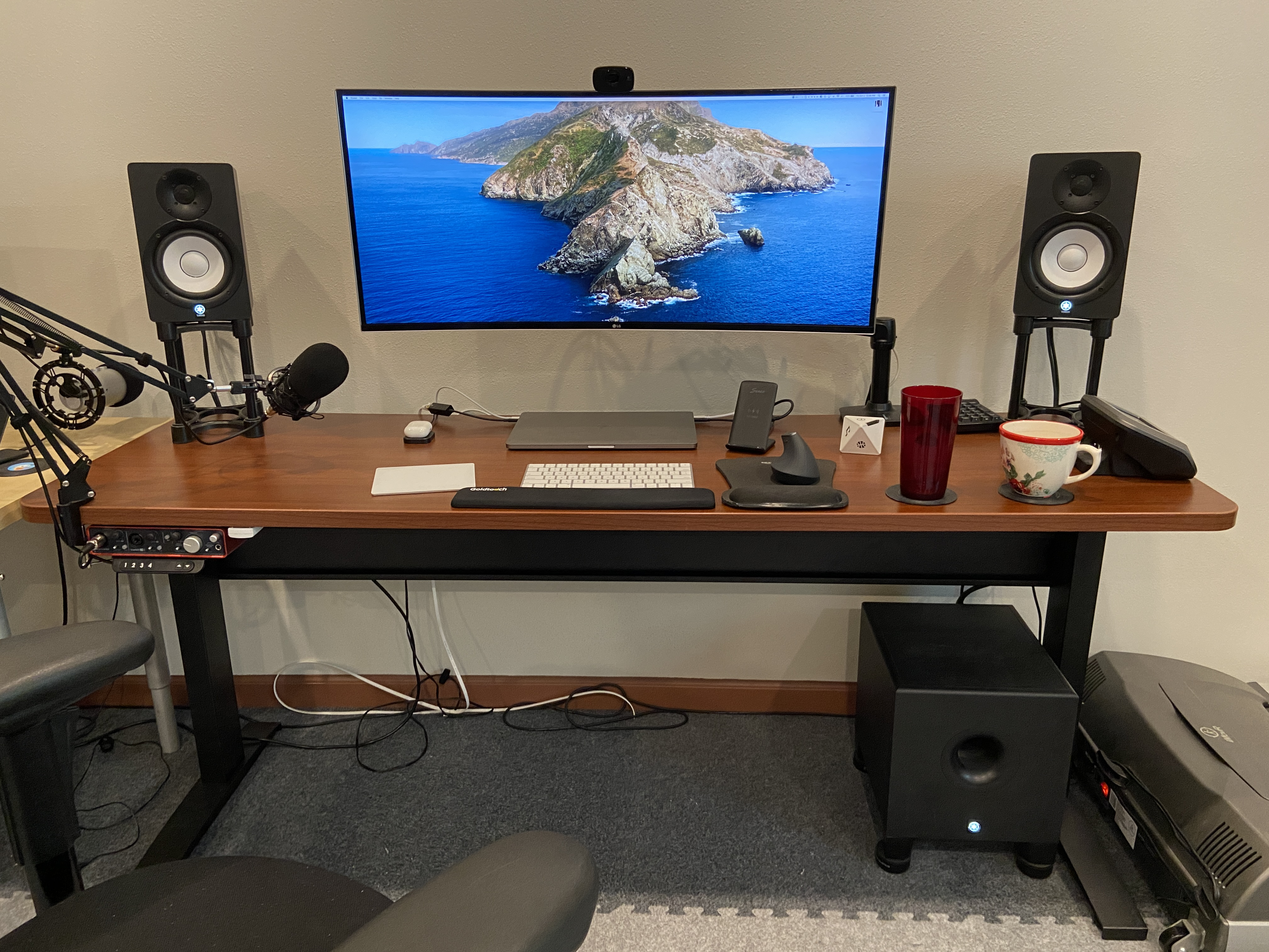 "23"" x 72"" Cherry Radius Corner Laminate Top with Black VertDesk Adjustable Height Desk Frame"