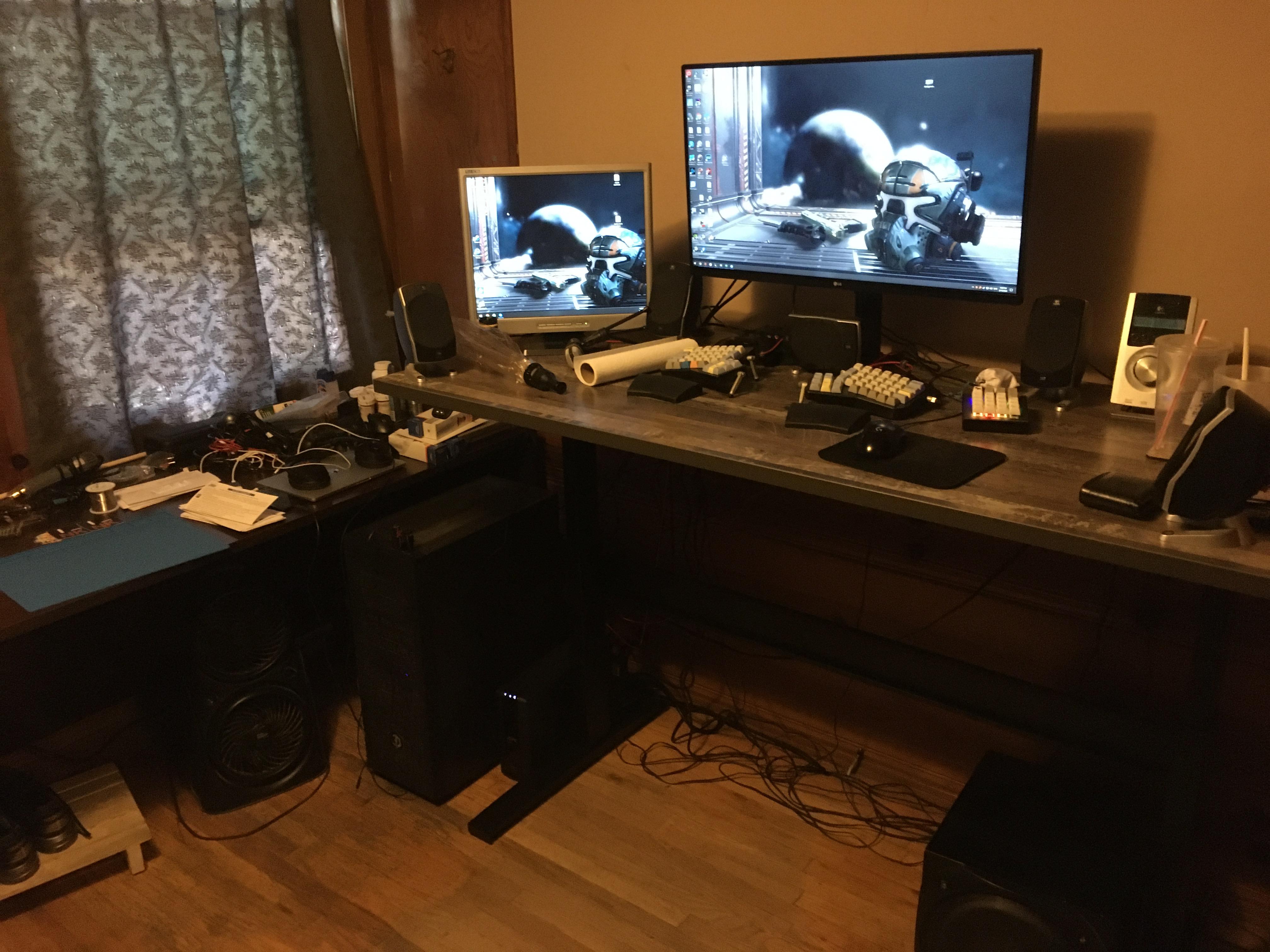 "30"" x 66"" Reclamation Maple Laminate Top with Black VertDesk Standing Desk Frame"