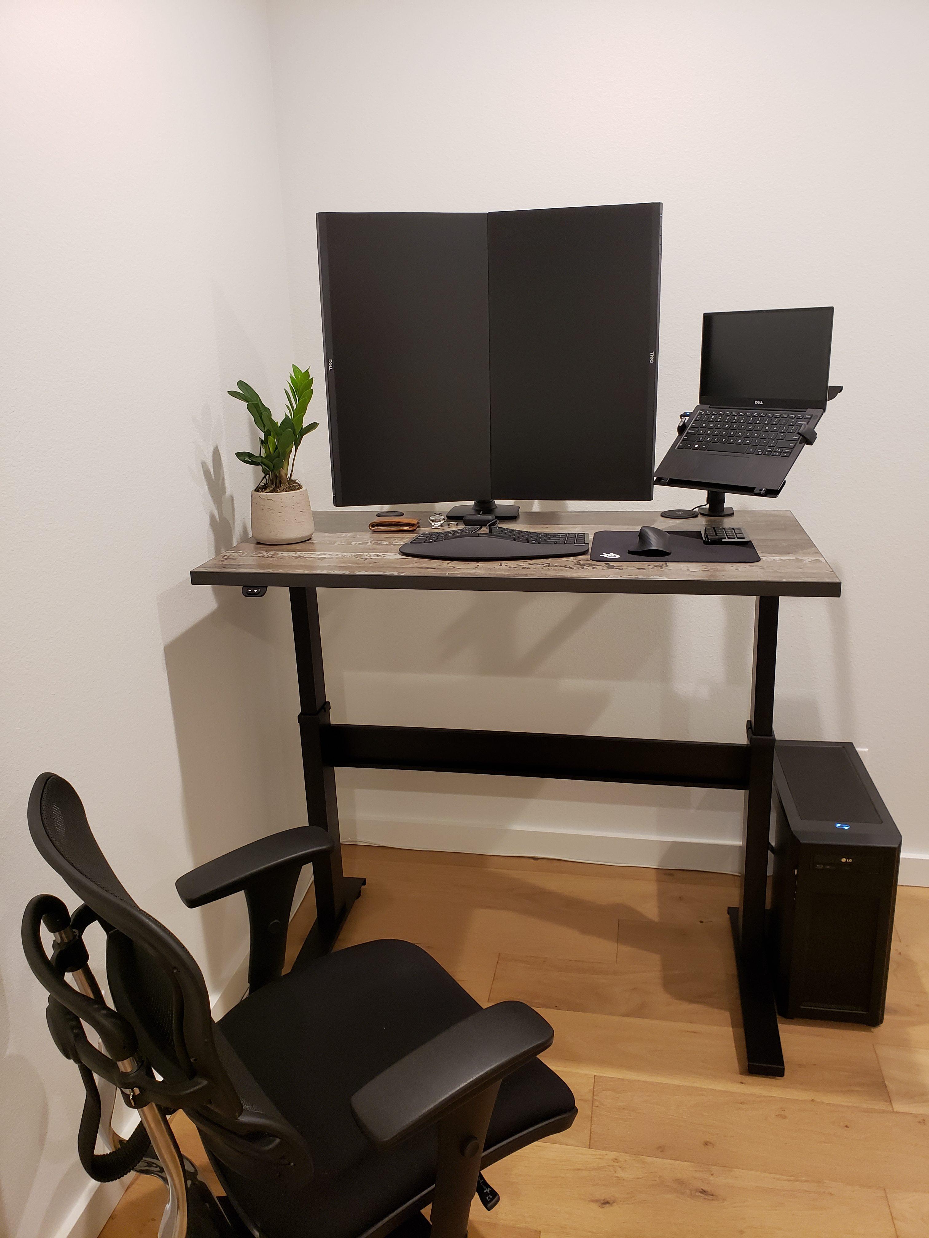 "25"" x 48"" Reclamation Maple Laminate Top with Black VertDesk Standing Desk Frame"