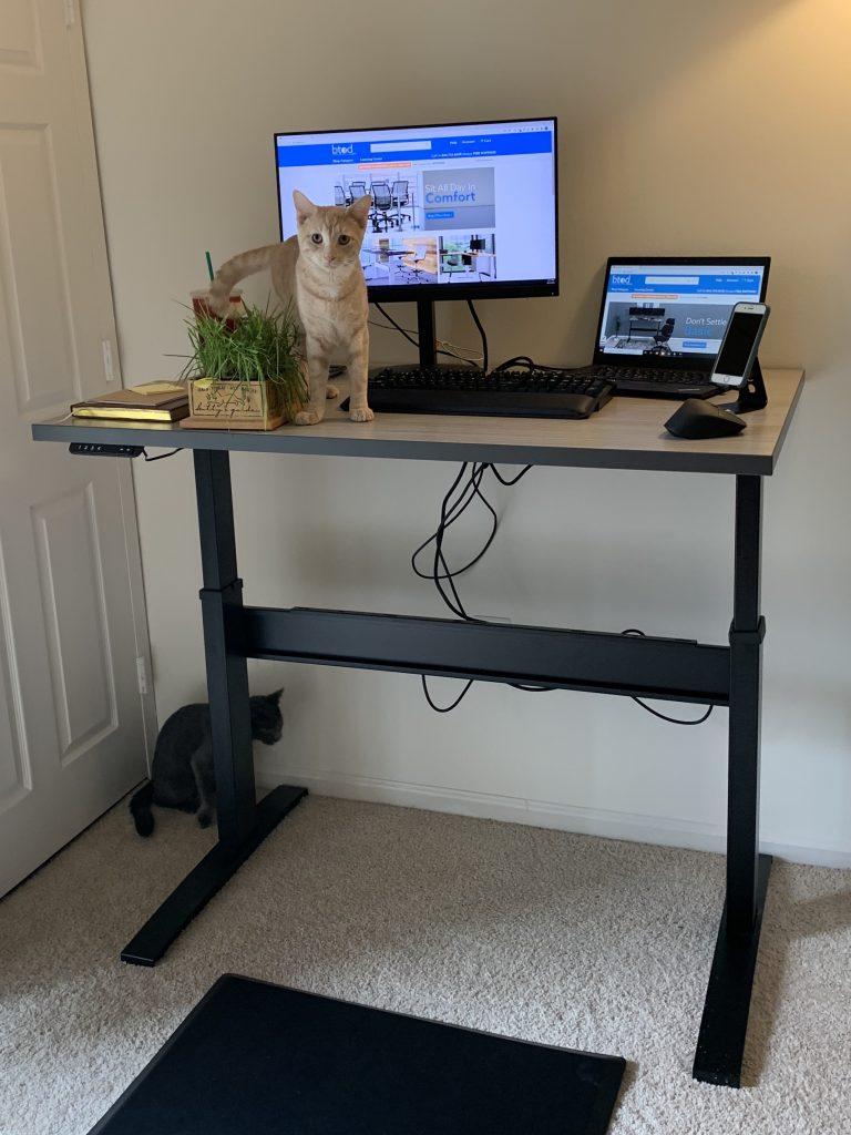 "30"" x 48"" Concrete Groovz Laminate Top with Black VertDesk Standing Desk Frame"
