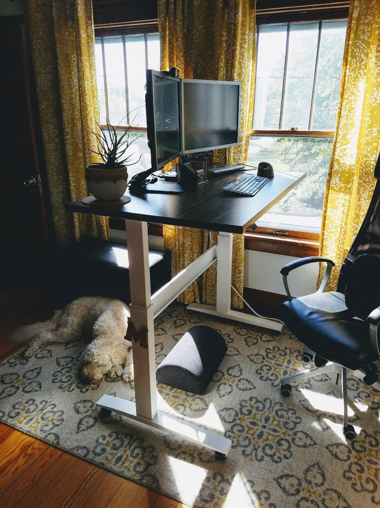 """30"""" x 48"""" Stromboli Laminate Top with White VertDesk Standing Desk Frame"""