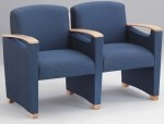 Lesro Somerset 2 Seat Reception Chair With Center Arms